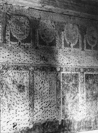 Peinture monumentale : couloir, trace d'une architecture en trompe l'oeil (détail)