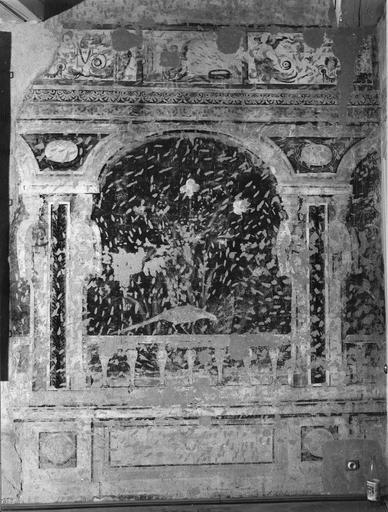 Peinture monumentale : salle des oiseaux, décor d'une galerie d'arcades feinte (détail)