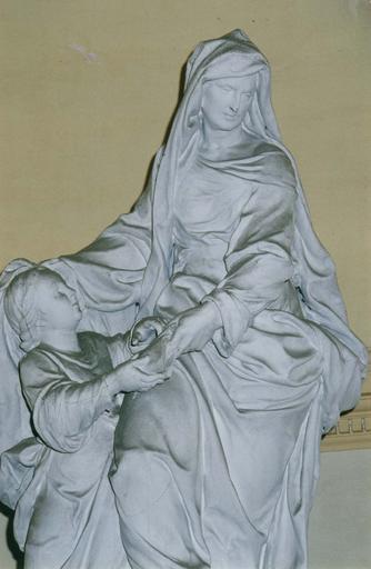 Groupe sculpté : L' Education de la Vierge, bois sculpté, peint en blanc (détail)
