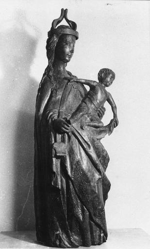 Groupe sculpté : Vierge à l'Enfant, bois sculpté (en pied, 3/4 )
