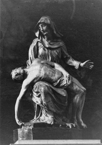 Groupe sculpté : Vierge de Pitié, bois sculpté, peint, doré