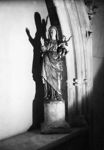 Groupe sculpté : Vierge à l'Enfant, bois sculpté, peint, doré
