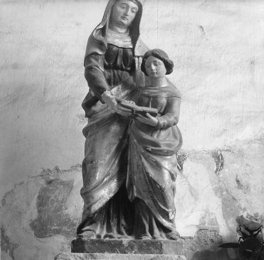 Groupe sculpté : L'Education de la Vierge, bois sculpté, peint
