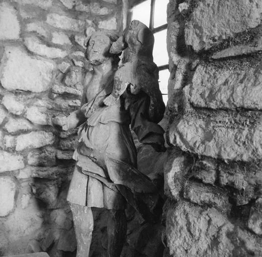 Groupe sculpté : Saint Christophe, bois sculpté, traces de polychromie