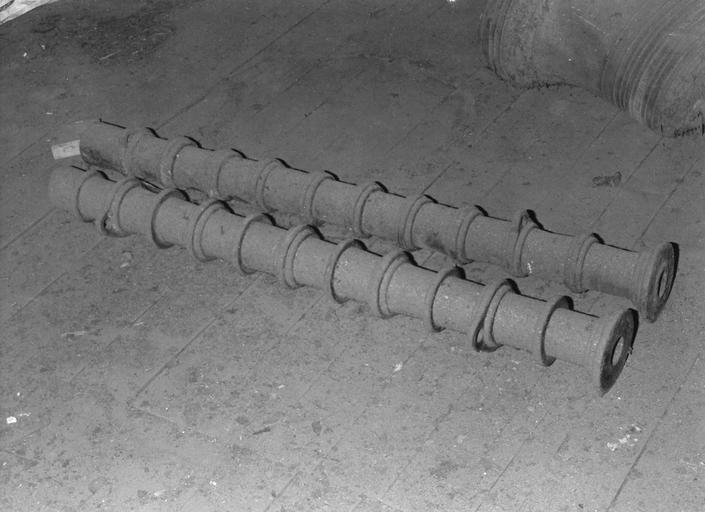 2 canons (caronades) en fer