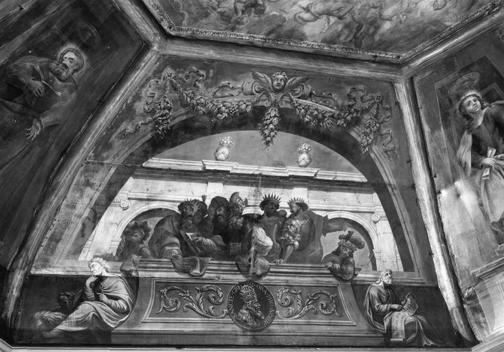 Peinture monumentale, plafond : sur fond d'architecture en trompe l'oeil, Persique, Delphique, saint Matthieu, Salomon, David, les prophètes Daniel et Isaïe, sur les panneaux latéraux, saint Marc et saint Jean dans des niches en trompe l'oeil,