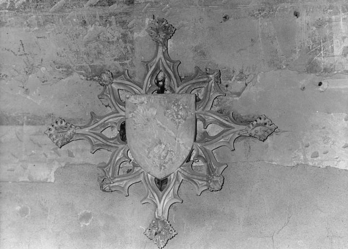 Clef de voûte aux armes des Bourbons, pierre sculptée