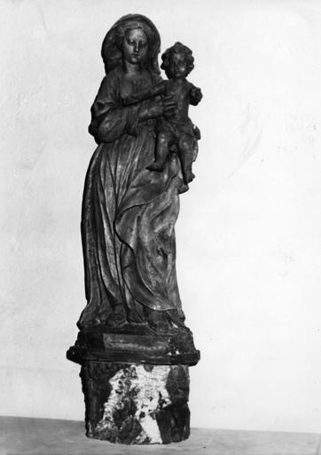 Groupe sculpté : Vierge à l'Enfant, bois de tilleul sculpté