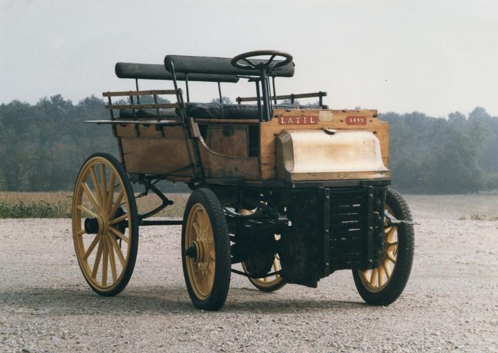 Voiture automobile : charrette anglaise à deux bancs, Latil n° 8