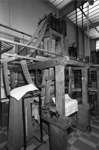 Métier à tisser la soie, métier à bras avec mécanisme Verdol, bois, fonte de fer