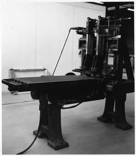 Machine à laminer ou lamineuse, utilisée par les Frères Lumière pour la fabrication des plaques autochromes