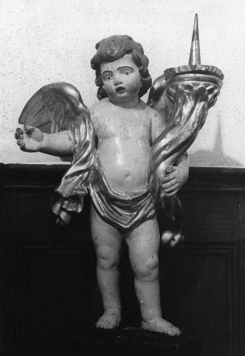 Statuette : angelots porte-cierges, bois sculpté, peint, doré