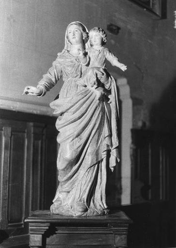 Groupe sculpté : Vierge à l'Enfant, bois sculpté, peint