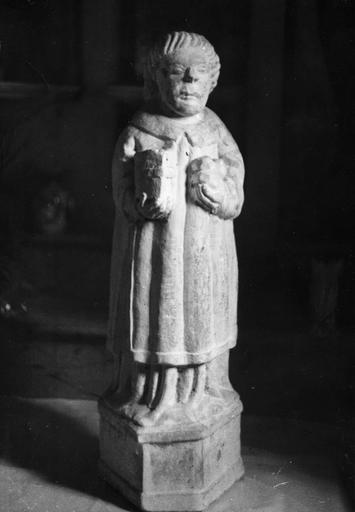 Statue : Saint Etienne, pierre sculptée