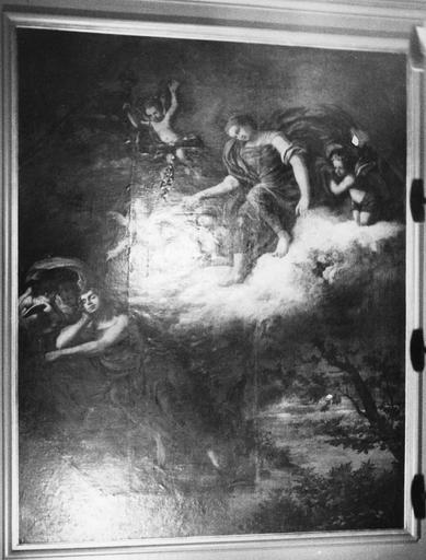Plafond : classé sous le titre L' Amour et Psyché, il s'agirait plutôt de Diane et Endymion, huile sur toile