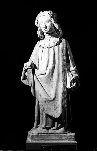 Statue de saint Louis (supposé), en pierre