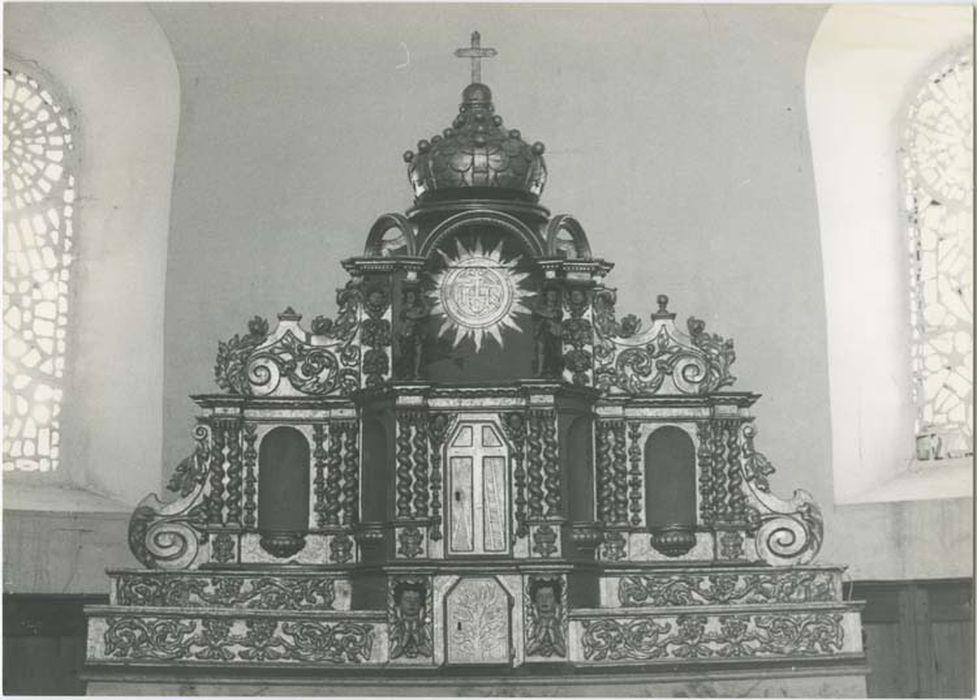 retable, tabernacle, exposition, degré d'autel et quatre statues (statuettes) : Ecce Homo, Vierge, deux Evêques