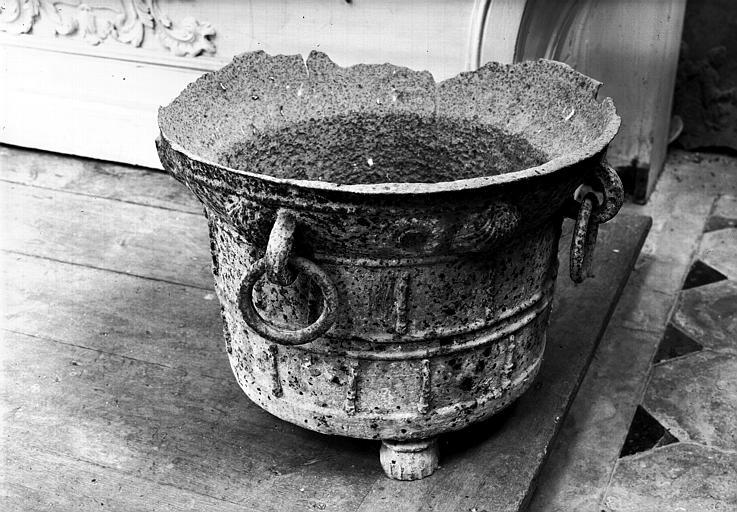 Cuve baptismale en fonte de fer