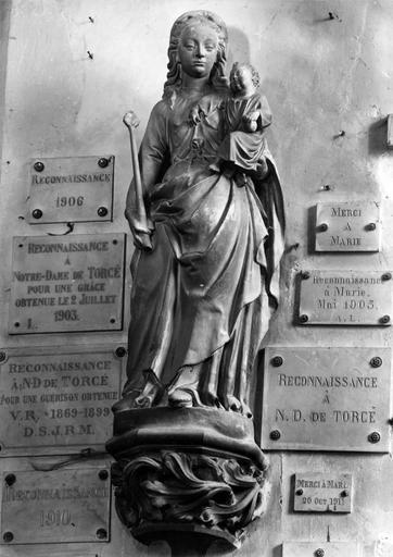 Statue : Vierge et l'enfant
