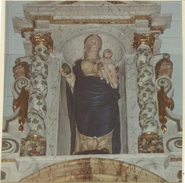 Statue du retable: Vierge à l'enfant, vue générale