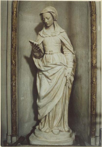 Statue: sainte Catherine (?), vue générale