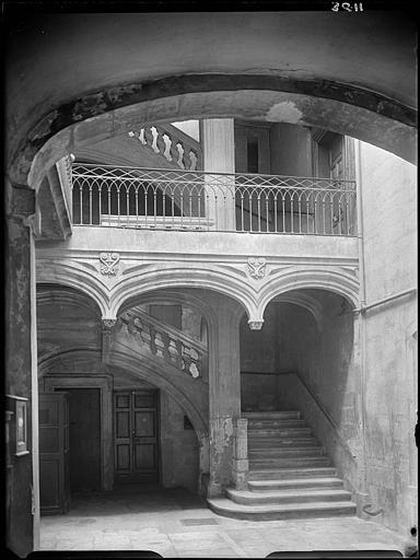 Escalier sur cour