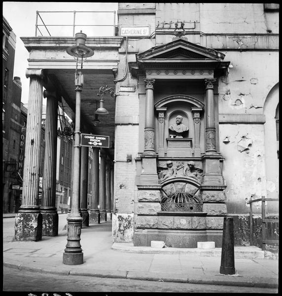 Monument commémoratif à l'angle de Catherine Street