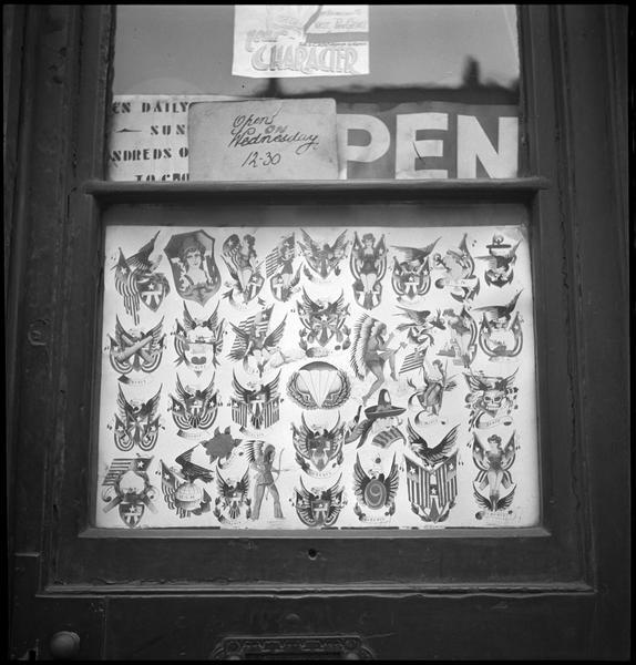 Porte d'entrée : échantillon de tatouages