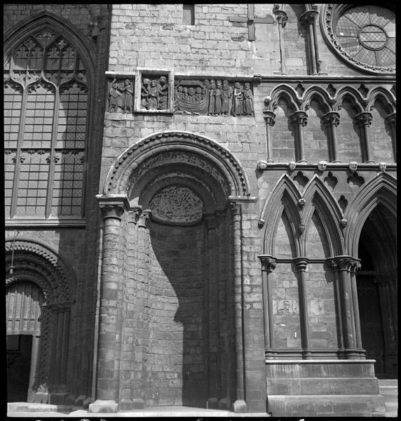 Vue partielle de la façade ouest
