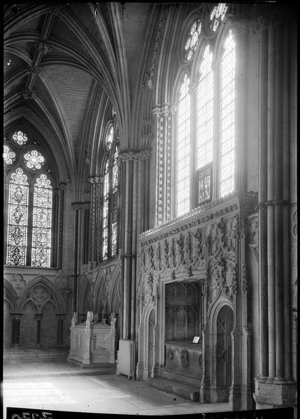 «Angel Choir : Bishop Russell's Ch'y»