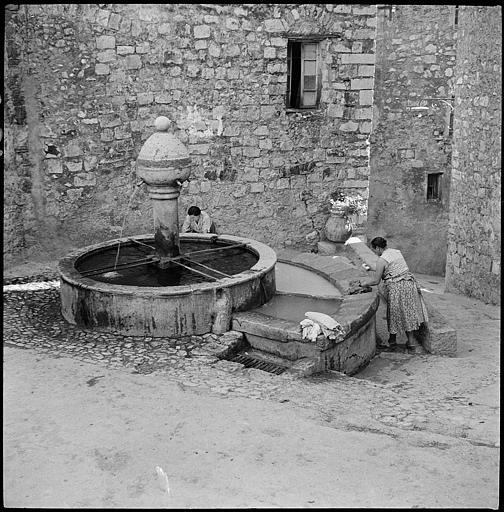 Fontaine gothique