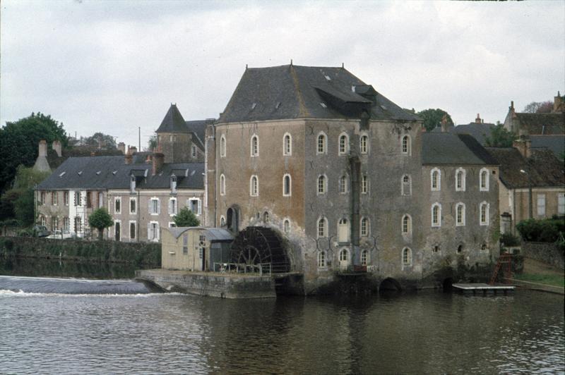 Ensemble du moulin à eau sur la Sarthe
