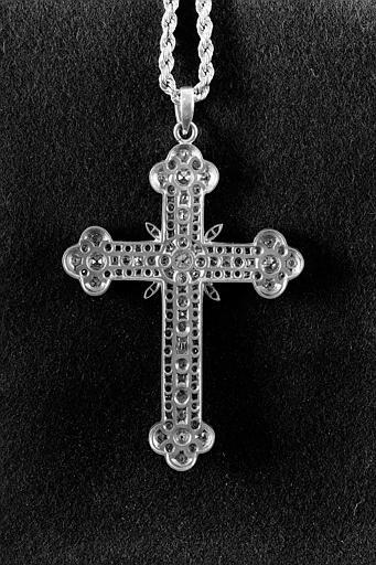 Croix pastorale en or et brillants