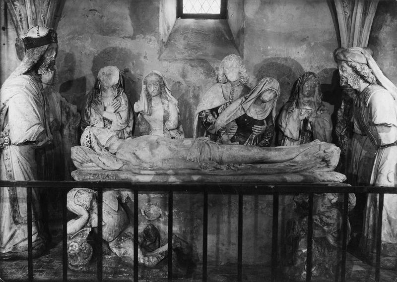 Monument funéraire (sépulcre) ou groupe sculpté : Mise au tombeau
