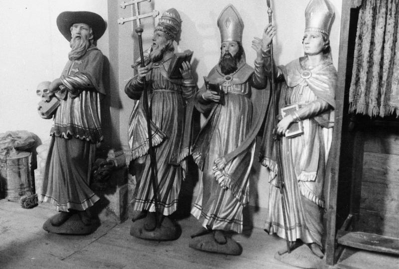 Statues du retable du maître-autel, vue générale