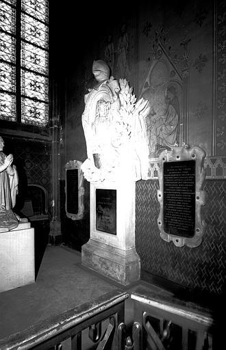 2 monuments funéraires de Jean-Baptiste de Budes de Guebriant, maréchal de France, et de sa femme René de Bec Crespin