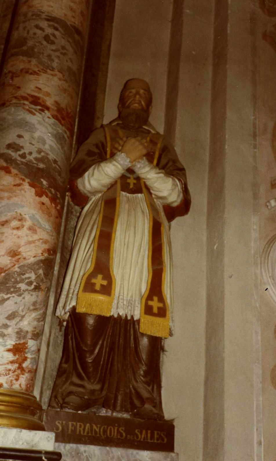 Quatre statues : Sainte Christine, Saint Aimé, Saint Ambroise de Ligori, Saint François de Sales