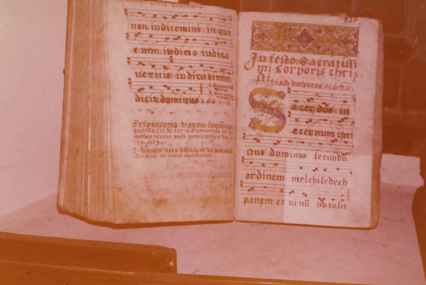 Six manuscrits