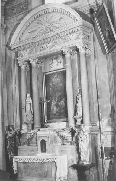 2 autels, 2 retables, 2 tableaux : le Couronnement de la Vierge, Trinité (la)