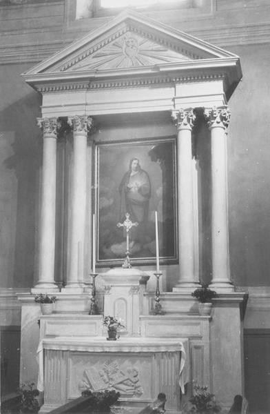 2 autels, 2 retables du Sacré-Coeur et de saint François, 2 tableaux