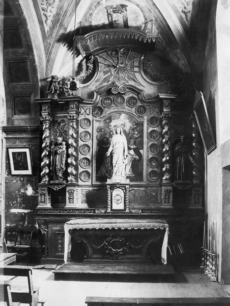 Autel, retable de Notre-Dame-du-Mont-Carmel, tableau : Notre-Dame du Mont Carmel entre saint Dominique et sainte Claire