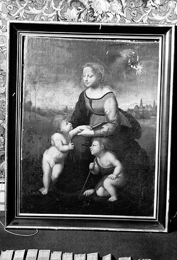 Peinture sur toile dans un cadre en bois doré : La belle Jardinière (bibliothèque du premier étage)