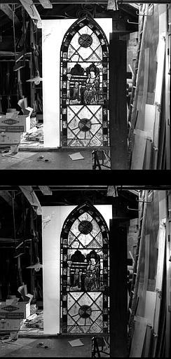 Donateur agenouillé devant un saint, panneau de vitrail
