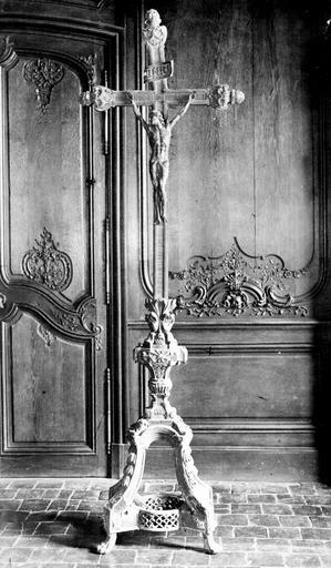 Croix du maître-autel