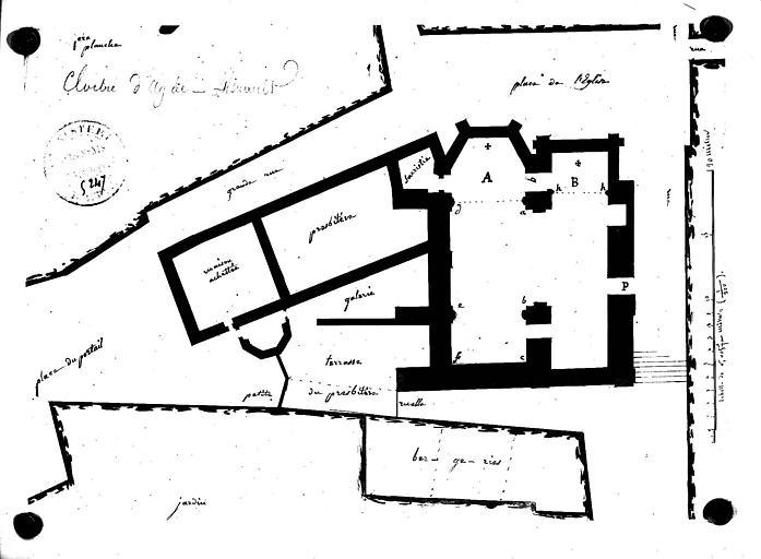 Plan de situation de l'église et du cloître