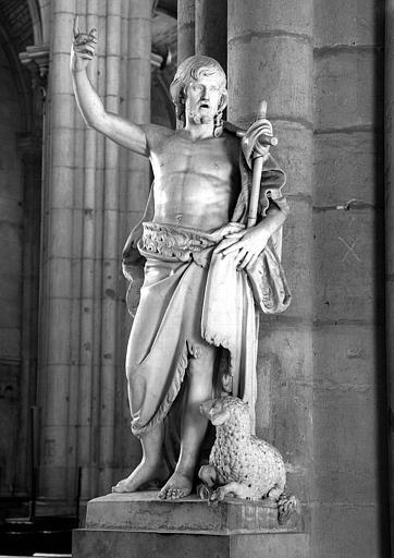 Statue de saint Jean-Baptiste