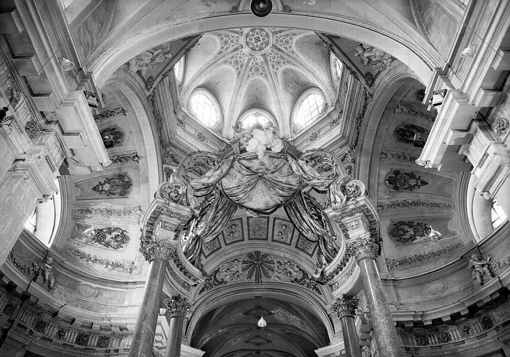 Coupole de la croisée du transept et dessous du baldaquin