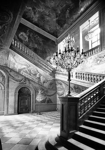 Départ du grand escalier