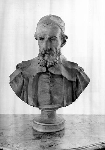 Buste en terre cuite de Peresc, salle de lecture