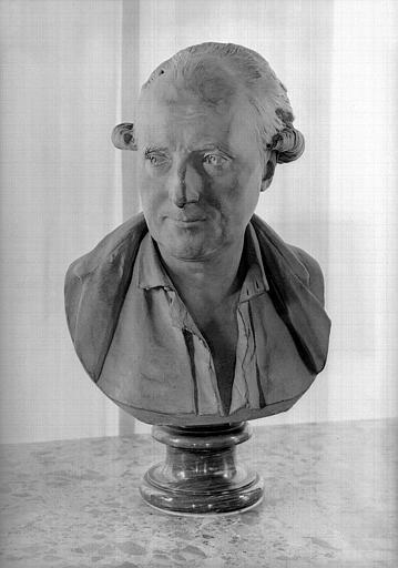 Buste en terre cuite de Palissot de Montenoy, visage de face, salle de lecture